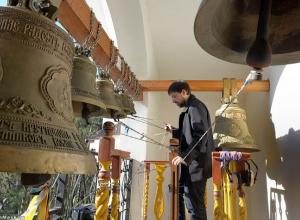Волгоградцы впервые услышат перезвон 18 колоколов строящегося Александро-Невского собора