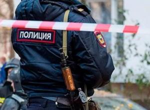 Три трупа обнаружены рядом с автомобилем в Волгоградской области