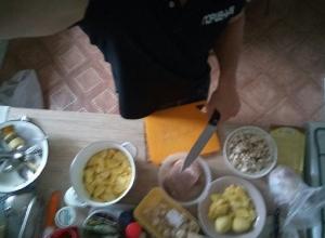 Мужчины Волгограда жалуются на необходимость готовить для своих возлюбленных