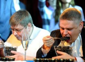 Чиновники Волгограда требуют больше бюджетных денег на рестораны