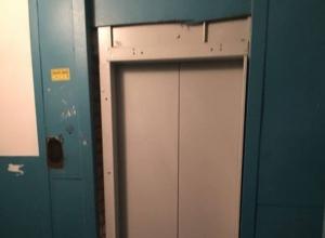 В Волгограде срывается программа по замене лифтов