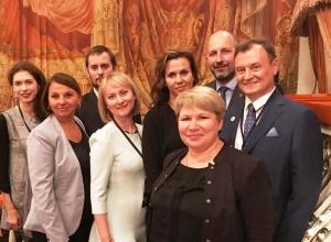 Администрация Волгоградской области отправила команду поддержки для претендента на учителя года в Санкт-Петербург