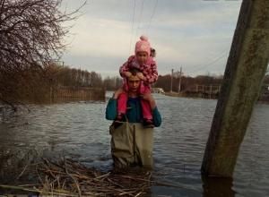 Вода покинула еще девять поселков Волгоградской области