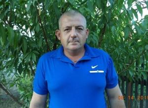 40-летний мужчина на служебном авто пропал в Волгоградской области