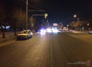 32-летняя женщина едва не погибла под колесами ВАЗа в Волгограде