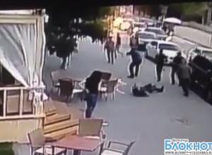 Спасти раненого Брудного на месте покушения пыталась смелая волгоградская официантка