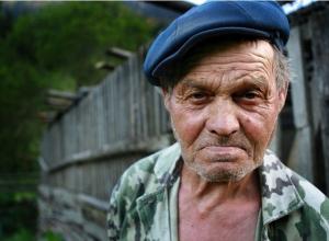 Ножевое ранение получил молодой волгоградец при попытке ограбить пенсионера