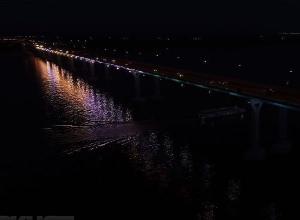 Фейерверк и световую инсталляцию «танцующего» моста волгоградцы увидят вечером воскресенья