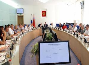 В облдуме хотят отправить в отставку лидера «Молодой гвардии» Волгограда