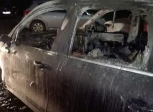 Audi А8 и Porsche Cayenne сожгли ночью на севере Волгограде