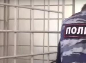 Полицейские разыскивают сбившего пешехода на юге Волгограда водителя