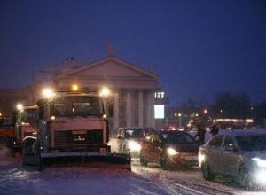 В ночь с 19 на 20 января улицы Волгограда будут чистить 65 спецмашин