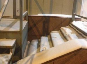 Лестницу в никуда сфотографировали в Волгограде