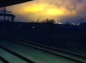 Пассажиров поезда напугал густой дым и зарево над городом-спутником Волгограда