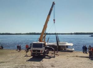 Обнаружено тело одиннадцатой погибшей в столкновении катера и баржи в Волгограде