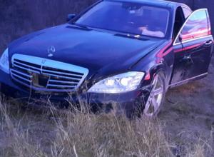Двое жителей Фролово обокрали разбитый после ДТП Mercedes-Benz
