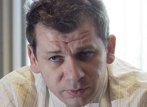 С миллиардами в Англию сбежал экс-сенатор от Волгоградской области