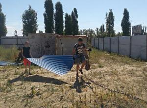 Дольщики ЖК «Европейский» своими руками восстанавливают недострой в Волгограде