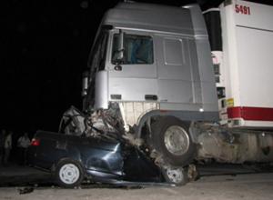 Ssang Yong протаранил грузовик под Волгоградом: двое погибли