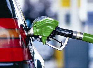 В Волгограде стали производить больше бензина и задрали цены на него