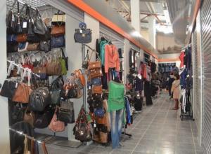 Женщина-предприниматель найдена повешенной на рынке в Калаче-на-Дону