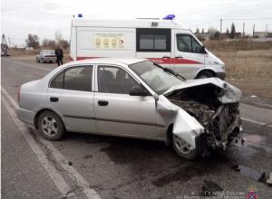 Шестеро детей пострадали в ДТП в Волжском