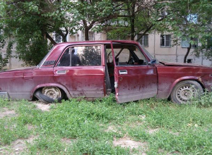 Хозяина «распотрошенного» ВАЗ-2107 ищут в Волгограде
