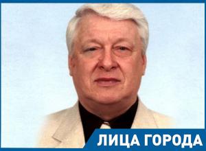 У нас из Астрахани был дурак, все распилил,– председатель Волгоградского антикоррупционного комитета Евгений Олейников