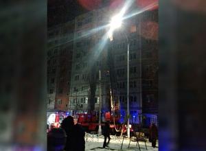 Пожар в квартире разрушил жизнь семьи с тремя детьми: погибла молодая волгоградка