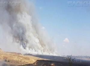 Страшные фото пожара на западе Волгограда попали в интернет