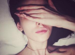 Спящая звезда «Универа» Анастасия Иванова обнажила грудь