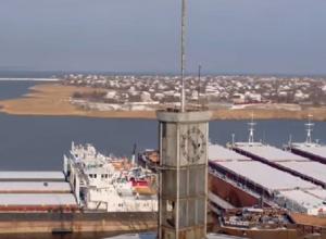 В Волгоградской области квадрокоптер снял, где зимуют корабли
