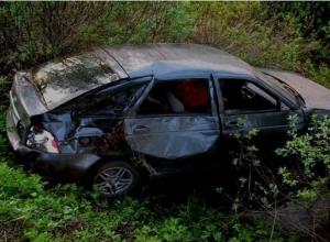 Водитель Priora при обгоне перевернулся на дороге в Волгограде: 2 человека погибли, 3 пострадали