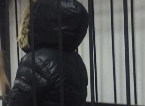 Позор волгоградского правосудия: из зала суда одну за другой выпускают подозреваемых в хищении 100 миллионов рублей