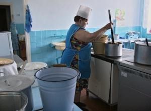 Родители малышей Волгограда в панике: в детсадах будут кормить едой «ипешников»
