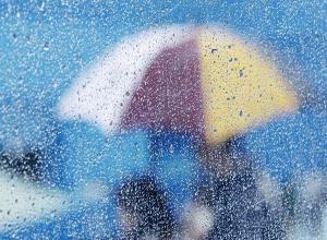 Очень крепкий ветер и дождь обрушатся на Волгоград