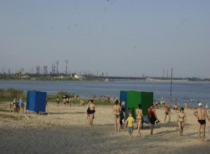 Виталий Лихачев разрешил волгоградцам купаться с 1 июня