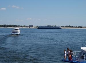 Тело утонувшего 16-летнего юноши ищут в Волгоградской области