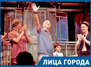 Руководитель НЭТа рассказал, почему в Волгограде актеры не могут стать богатыми
