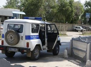 31-летний житель Волжского с гранатой и пистолетом угрожал посетителям кафе в Камышине