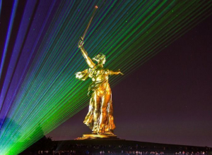 Жителям Волгограда снова покажут уникальное шоу «Свет Великой Победы»