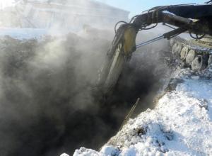 «Водоканал» вместо ремонта засыпал землей потоп на юге Волгограда