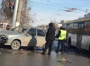 Автобус «Питеравто» попал в ДТП на севере Волгограда