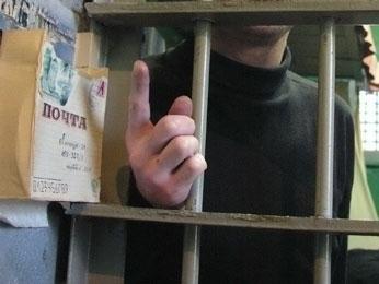 Волгоградец заплатит 100 тысяч изнасилованной им 12-летней падчерице