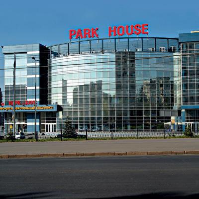 В авто, припаркованном около «Парк- Хауса» в Волгограде ищут взрывчатку