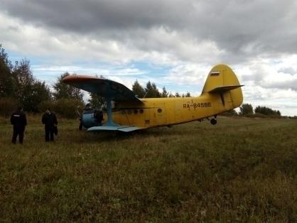 Самолет Ан-2 из Камышина совершил жесткую посадку в Ульяновской области