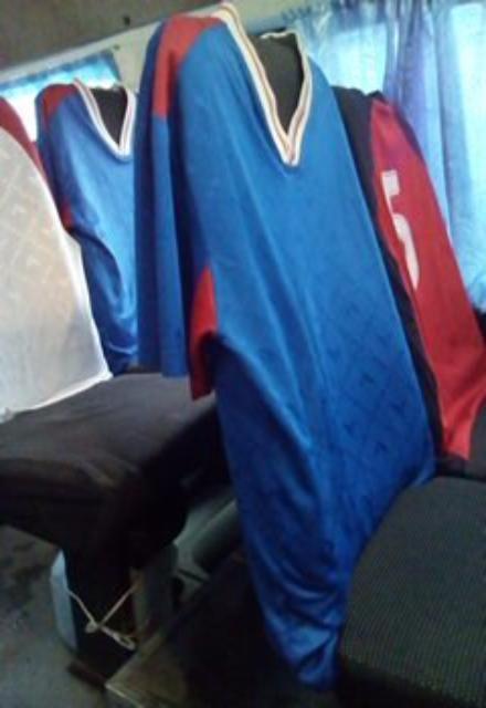 В майки футболистов нарядили сидения в маршрутке № 6А Волгограда