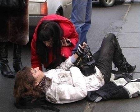 Под Волгоградом поймали водителя, сбившего женщину на тротуаре