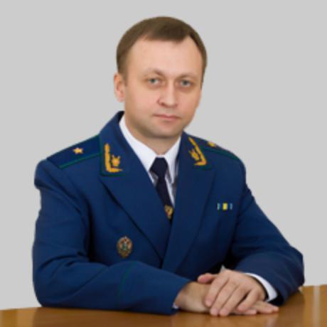 Контролирующий оперативно-розыскную деятельность силовиков прокурор  отмечает день рождения