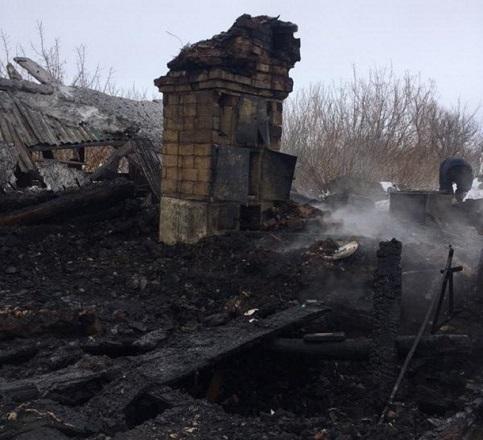 Отчим и 9-летняя девочка заживо сгорели под Волгоградом пока мать была на работе